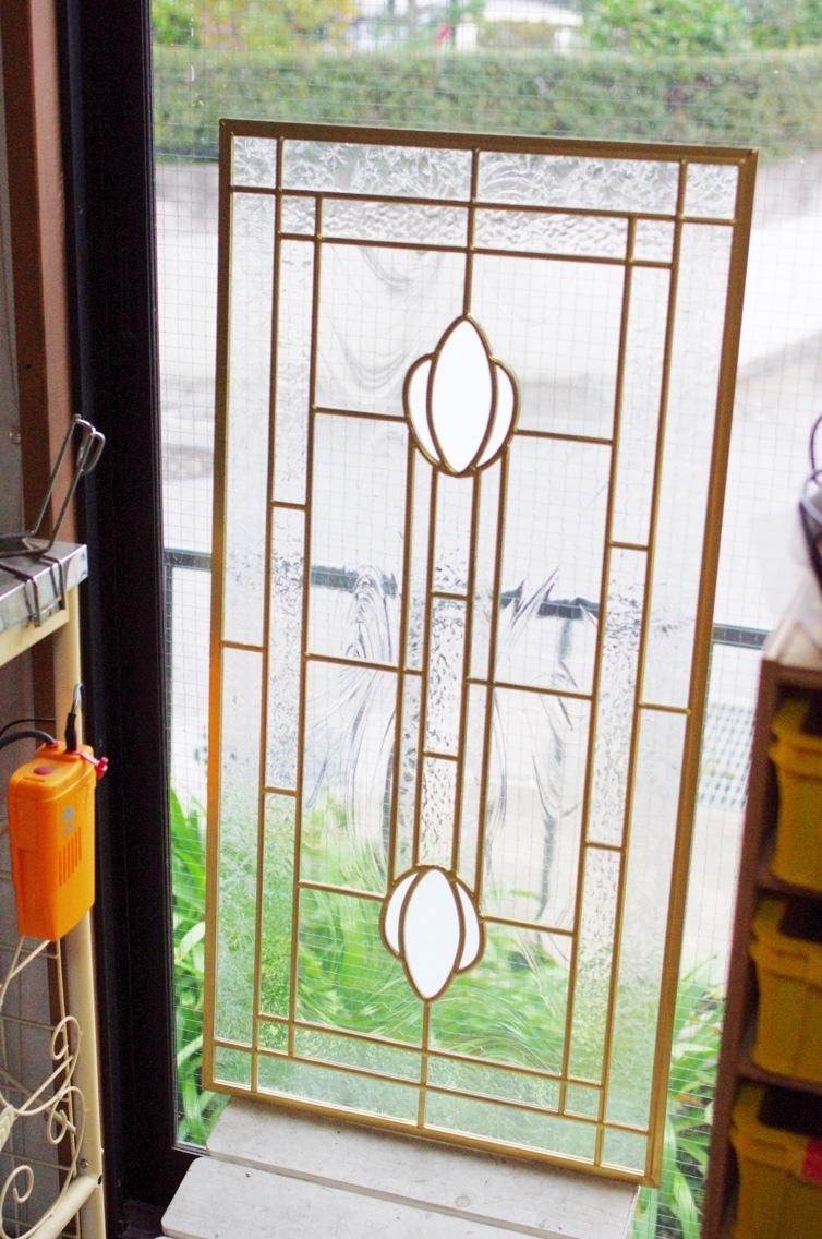金色のステンドグラス