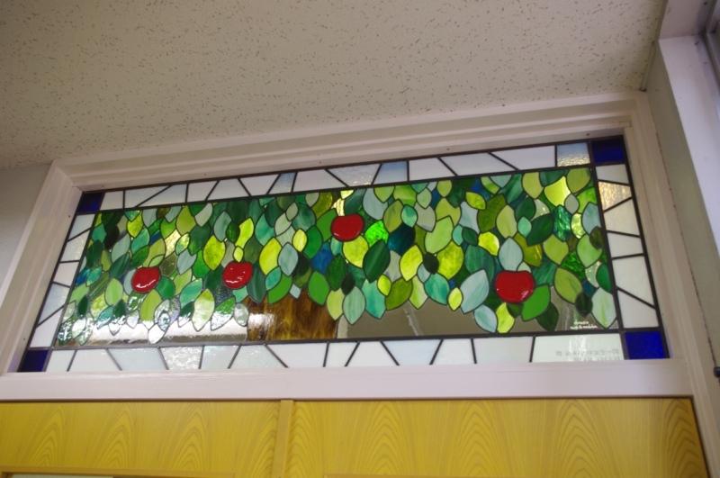 東洋大牛久図書室ステンドグラス