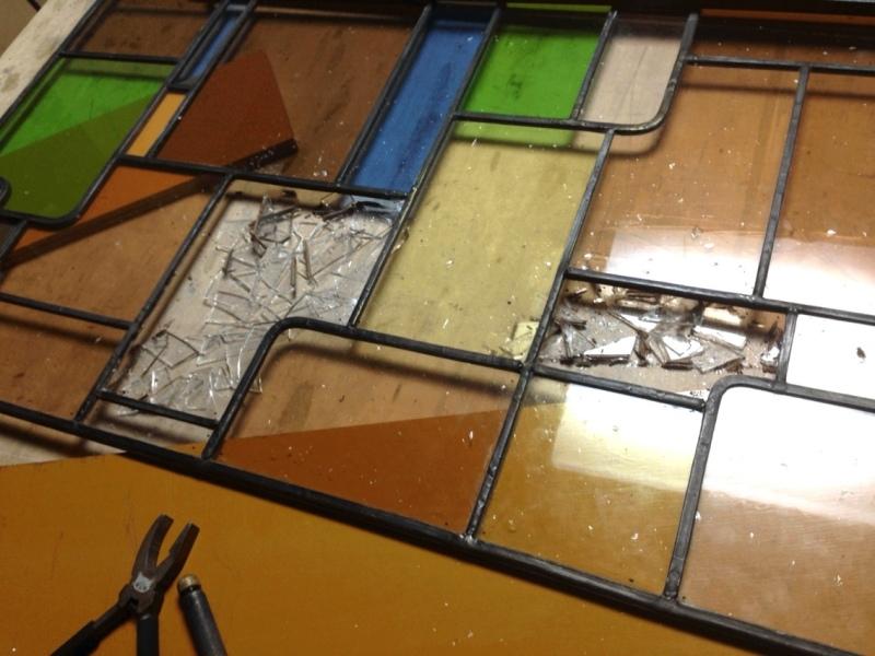 ステンドグラスパネルの修理