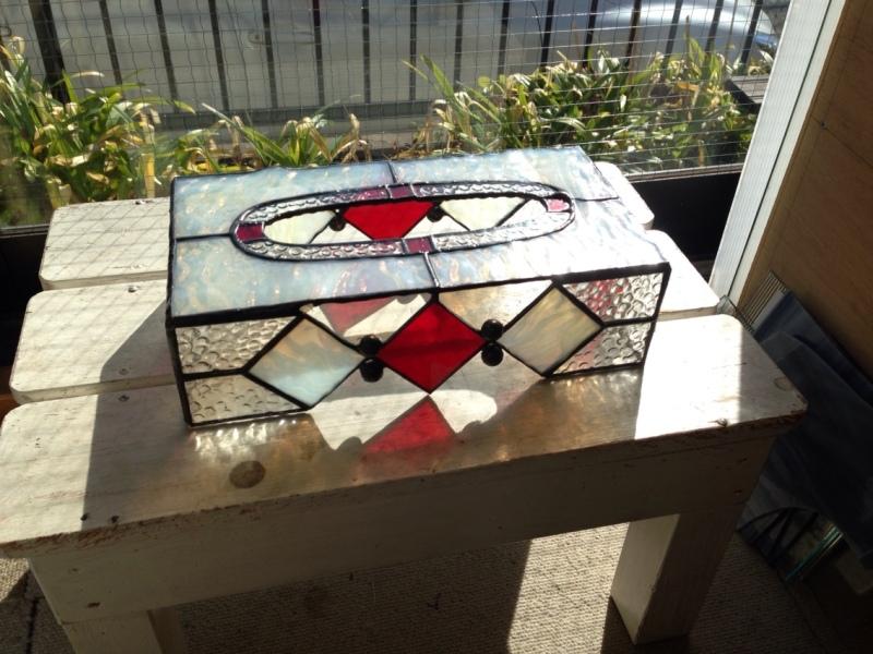 ステンドグラスのティッシュボックス