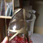 割れたガラスを繕う