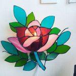 生徒さんの作品。バラの壁掛けランプ。