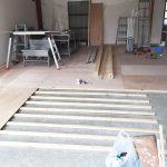 工房の床貼り